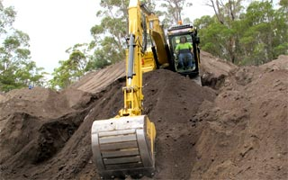 Train in Earthmoving with Accredited Earthmoving Training (AET)